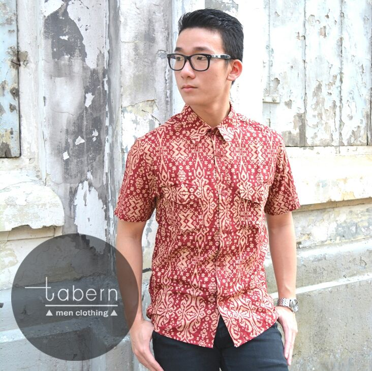 Type: Ian Size: M, L, XL  #batik #slim #men #pria #casual #baju #outfit #kemeja #kemejapria #atasan #batikpria #batikslim #batikfashion #fashion #top #jual #menstop #indie #limited #tidy #nerd #looks #young #style #stylish #gaya #muda  visit instagram: @tabern_clothing