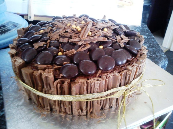 Galaxy Ripple And Minstrels Cake Wow Food Pinterest