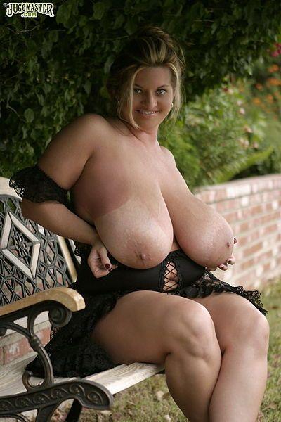 Maria Moore Boob 5