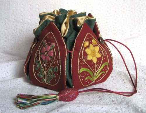 Made from the book 'Elizabethan Needlework Accessories' by Sheila Marshall.