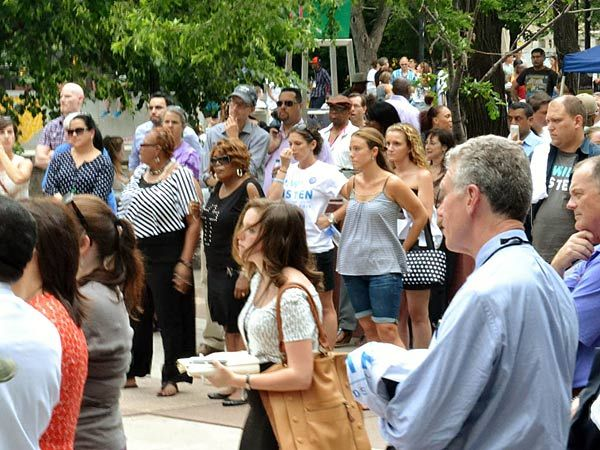 Hundreds send message in LOVE Park to those with mental illness