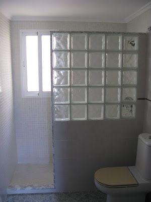 para el bao ventana en la ducha y mampara de vidrio