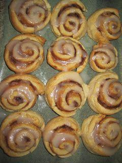 Thermomix Cinnamon Scrolls  Dough: 300g   SR Flour 90g   Butter 150g   Milk  Filling: 60g  Butter 40g  Brown Sugar 1 tsp Cinnamon  Icing: 150g White Sugar 1 1/2 Tbs Boiling Water