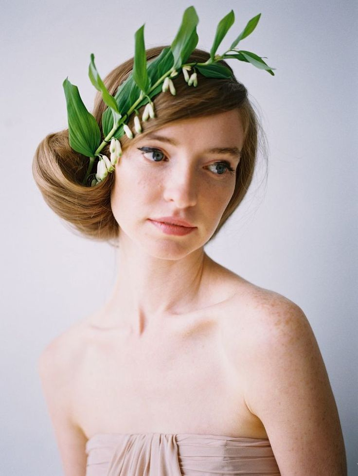 new take on the floral crown For more inspiration visit https://www.facebook.com/poppiesforwillow