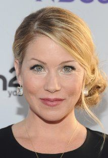 Christina Applegate - Koh Gen Do Cleansing Spa Water Cloths