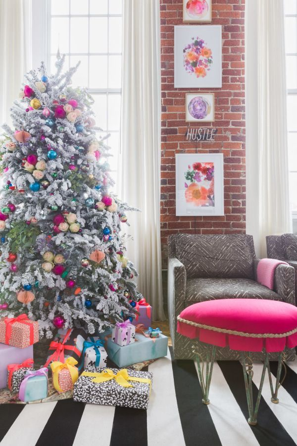 5 Tips for Infusing Your Holiday with Bright and Happy Color in 2018