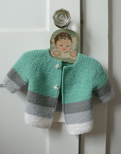 Sweet sweater. No pattern, but maybe if we message the designer she'll make it available.