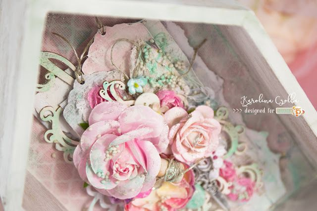Shabby chic wooden decoration with pastel flowers, glotter ans Scrapiniec chipboards