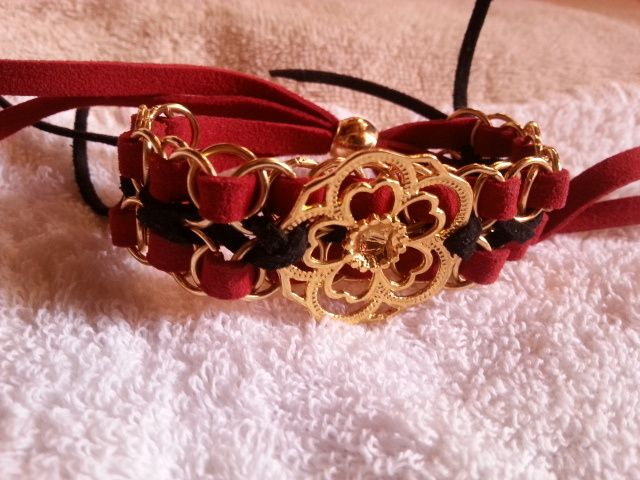 Pulsera de cuero y bronce roja y negra Chinesse Bracelet in leather and bronce