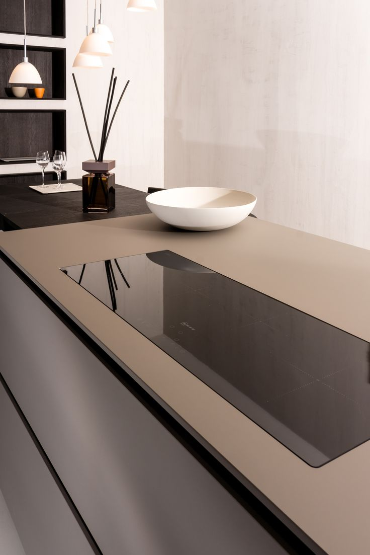 The super matte surface of FENIX NTM is durable and looks great in any modern kitchen design.