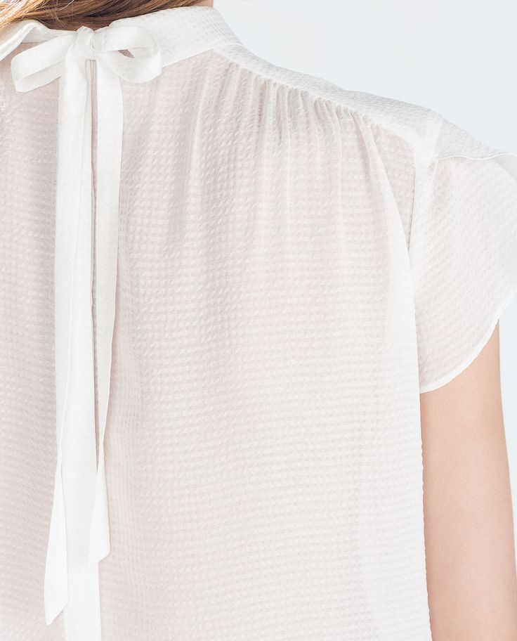 Image 5 of BLOUSE WITH BACK BUTTONS from Zara