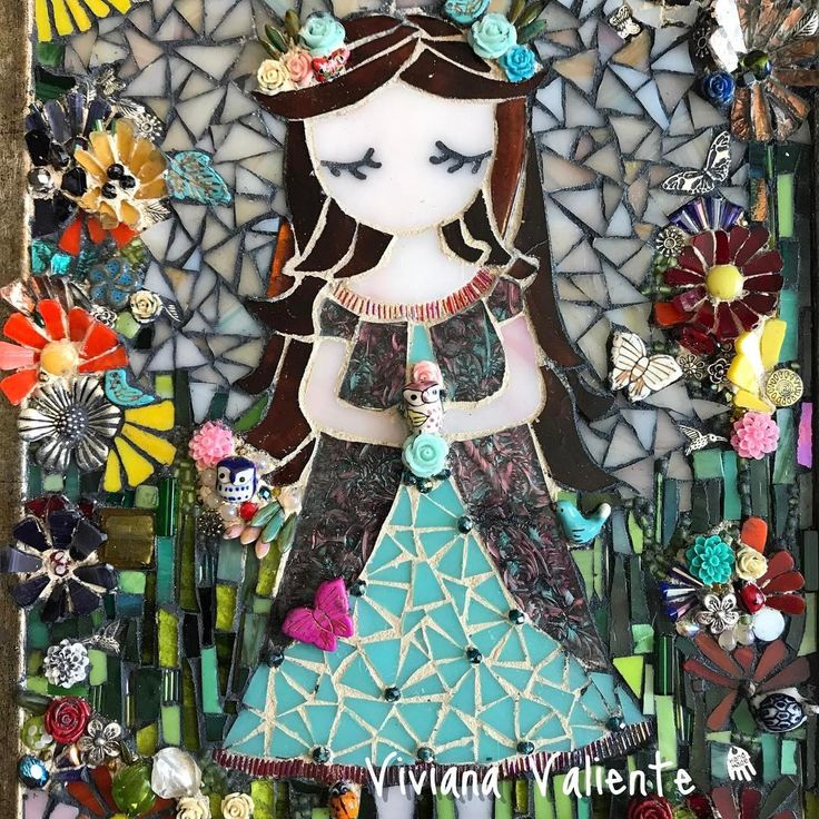 "41 Me gusta, 4 comentarios - Viviana Valiente (@vivitova) en Instagram: ""#flowergirl #niñadelasflores #girlpower #artforsale #artsanity #katytexas #mosaichouston…"""