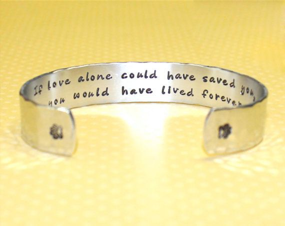 Pet Memorial Gifts | Bereavement Gifts | Condolence Gift | Dog Memorial Gift | Cat Memorial Gift | Custom Bracelet by Korena Loves on Etsy, $25.00
