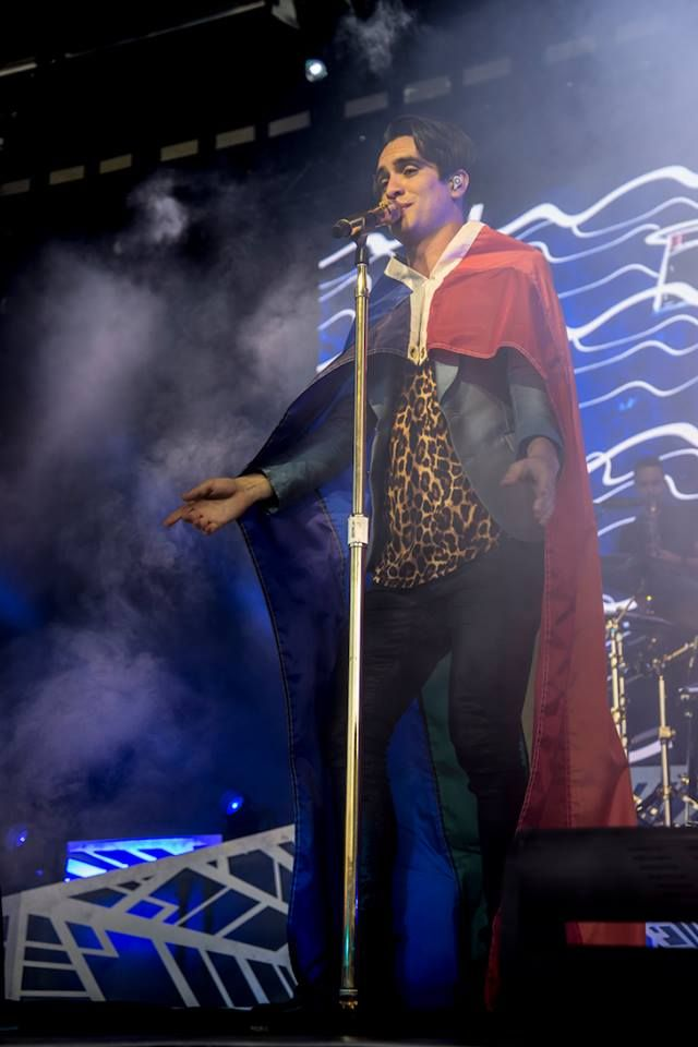 Brendon during the summer tour. Man he can rock that outfit way better than I would!