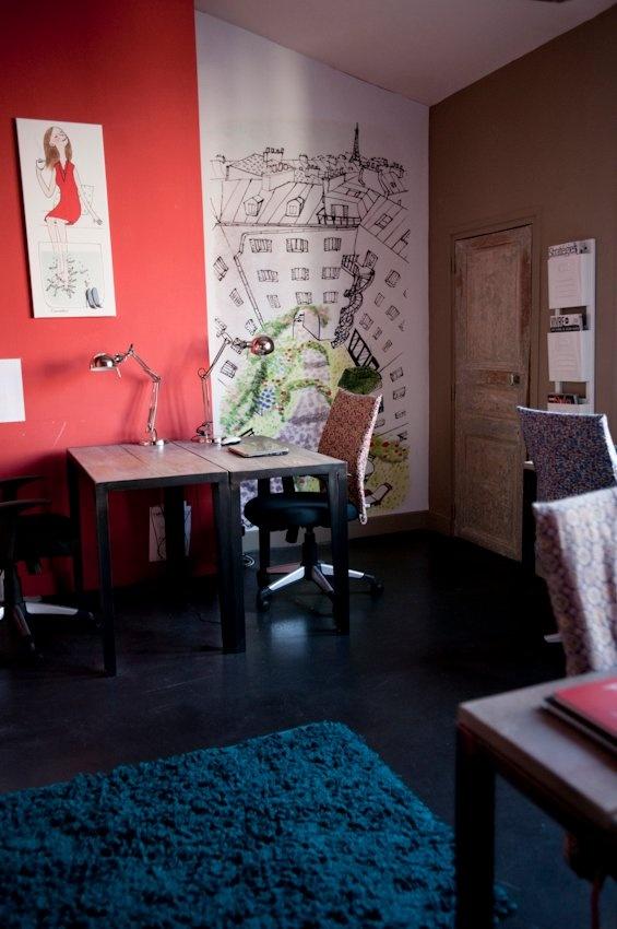 Dans les bureaux de My Little Paris, http://www.mylittleparis.com/