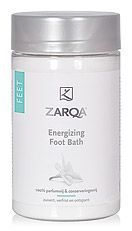 Zarqa Energizing Foot Bath 500ml  Zarqa Energizing Footbath heeft een heilzame verkwikkende en ontspannende werking op de voeten. De zuiverende werking van het mineralen complex met Dode Zeezout een hoge dosering Magnesium en verfrissende Eucalyptus helpt ontstekingen voorkomen. Het verweekt eelt ontgeurt en ontsmet en pakt zo voetschimmel bacterien en zweetvoeten aan. De doorbloeding van de voeten wordt gestimuleerd en het ontspant verhitte en vermoeide voeten. 100% parfumvrij kleurstofvrij…