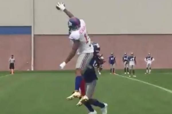Odell Beckham Jr. dropped jaws Monday at New York Giants training camp when he made a brilliant one-handed catch.
