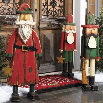 Love these cuz they're kinda like nutcrackers.Christmas Crafts, Decor Ideas, Christmas Nutcrackers, Christmas Doors, Outdoor Christmas Decor, Christmas Winte Outdoor, Christmas Ideas, Seasons Decor, Christmas Mantels