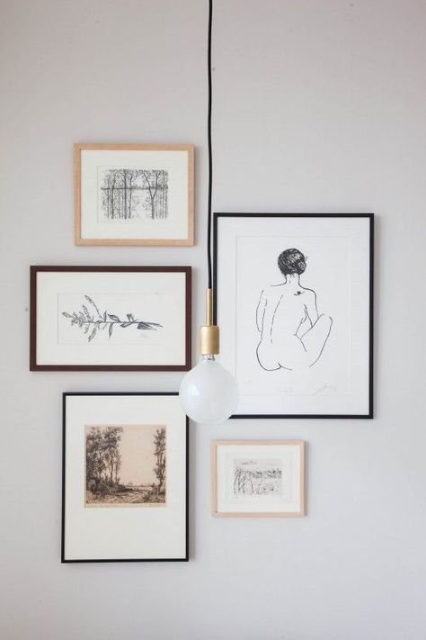 minimal lines, perfect picture gallery idea with frames in different colours