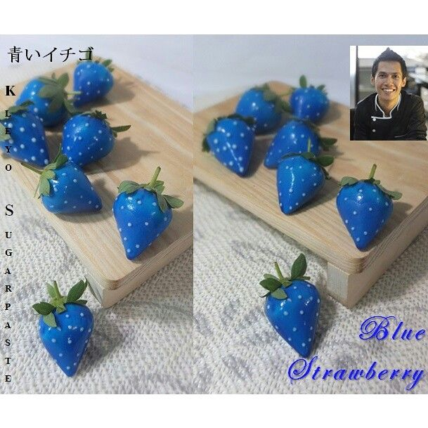 Blue Srtrawberry Cake