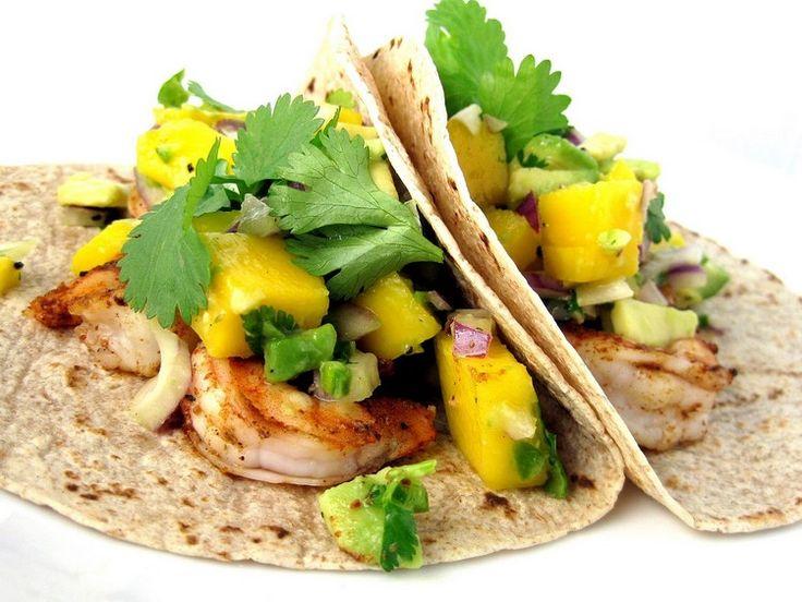 Un petit conseil pour cette recette tacos aux crevettes, mangue et avocat : vous pouvez troquer le piment de Cayenne pour quelques gouttes de Tabasco.