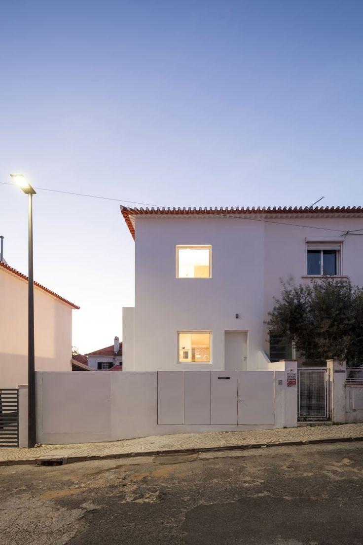 phdd arquitectos · House in Caselas