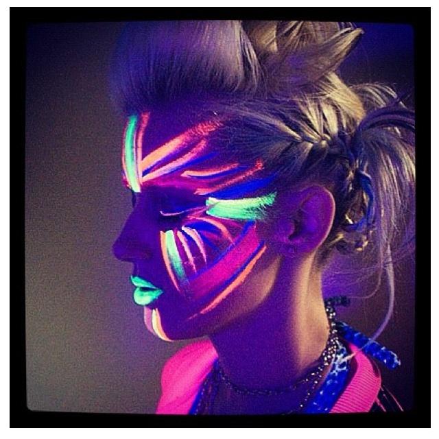 Glow in the dark & neon