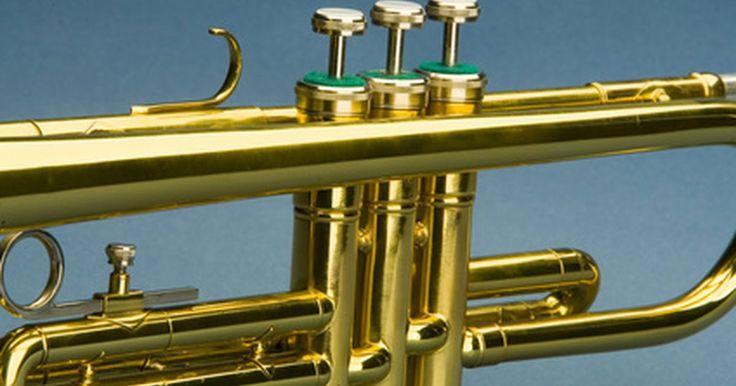 Aceite casero para válvulas de trompeta. El aceite para válvulas es esencial para el funcionamiento adecuado de una trompeta y es usado para lubricar los mecanismos internos de los pistones que se mueven cuando los pulsadores son presionados. El aceite para válvulas se vende en cualquier tienda de instrumentos musicales, y viene en distintas formulaciones. Si no puedes encontrar uno que ...