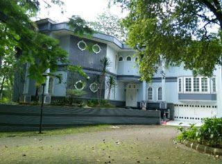 PropertiJabodetabek: Rumah Mewah Fully Furnished BSD Golf ada Kolam Ren...