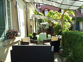 Wein- und Feriengut Altes Landhaus    http://www.landreise.de/expose/wein-und-feriengut-altes-landhaus-1497/bk/1/