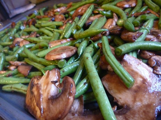 Roasted Green Beans with Mushrooms and Balsamic