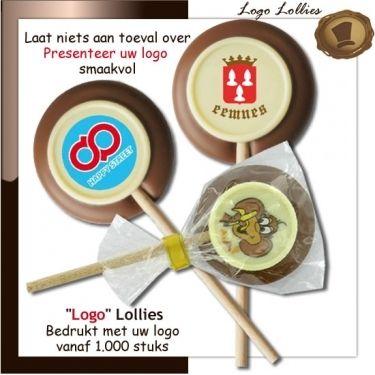 Chocolade logo lollies  ca. 20 gram  Smaak Melk en wit chocolade  Verpakking Transparant  Afmeting diameter 60 mm. Te bestellen.  vanaf 1000 stuks. #chocoladelogo #relatiegeschenken