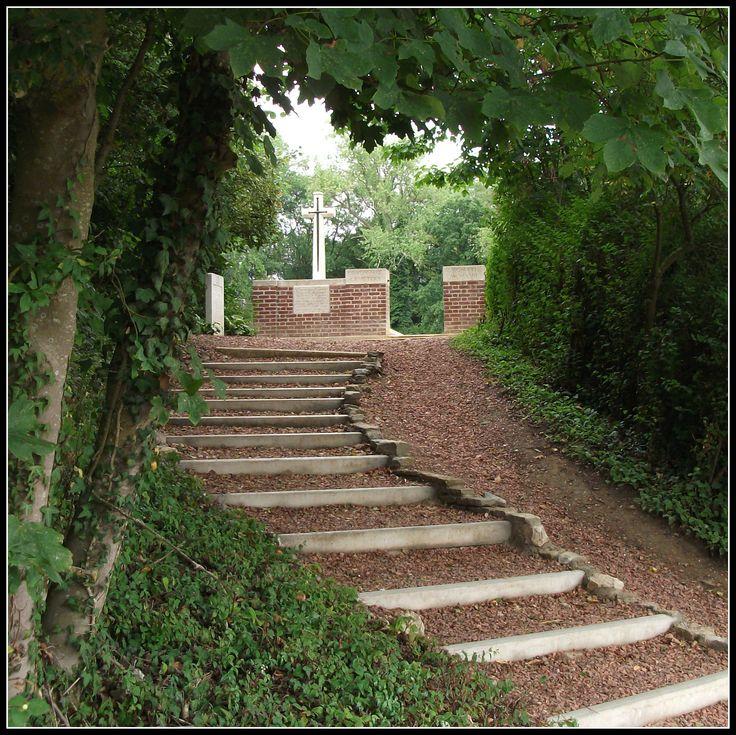 Devonshire Cemetery, Mametz (France)