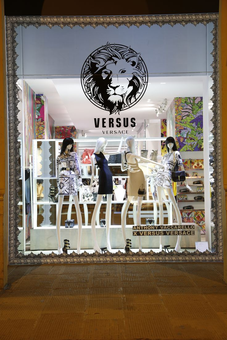 Anthony Vaccarello x Versus Versace shop window in Via Roma - Discover the collection online