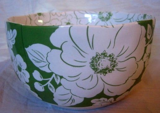Decorative Dishes - Green White Hibiscus Hawaiiana Deep Bowl, $14.99 (http://www.decorativedishes.net/green-white-hibiscus-hawaiiana-deep-bowl/)