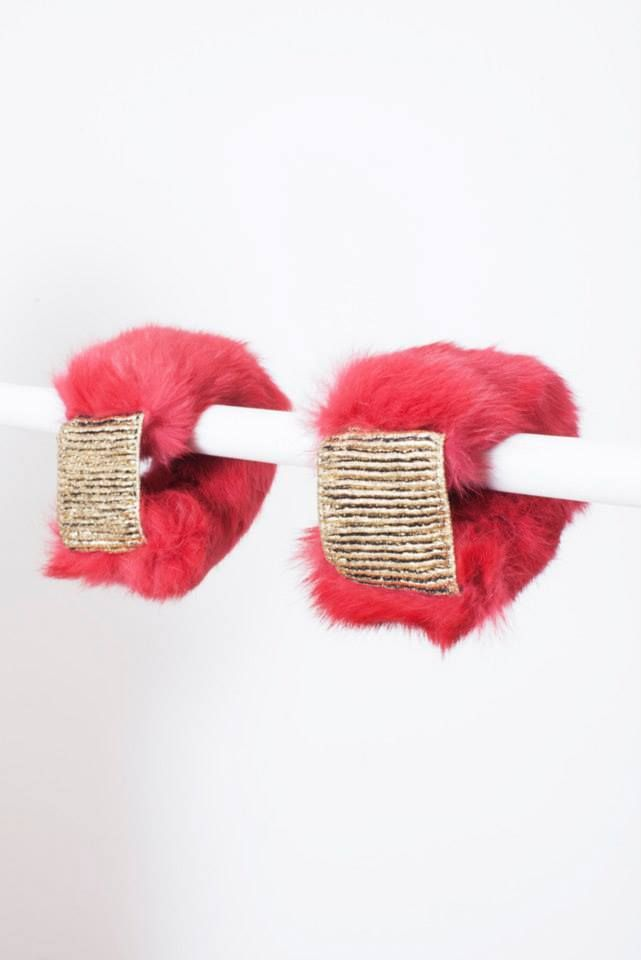 FUSCHIA RABBIT FUR CUFFS // © MORECCO 2014