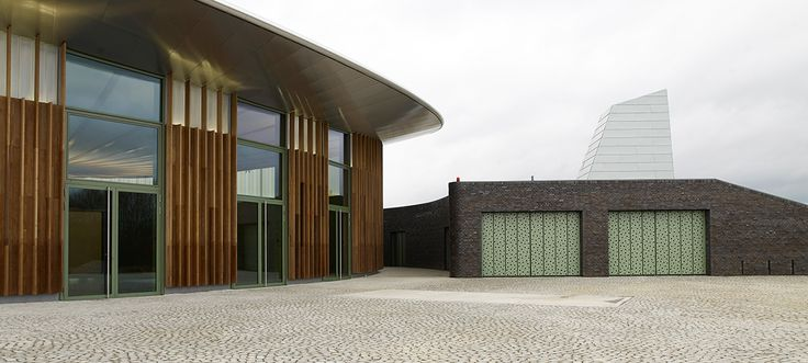 Skulpturenhalle | Eintritt    ARENA Pflastersteine