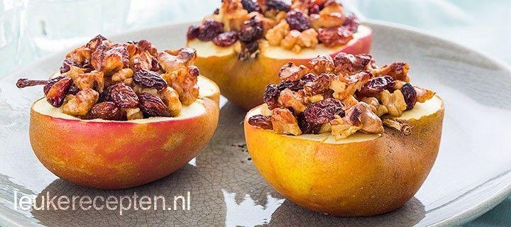 Deze gevulde appels met rozijnen en noten zijn een gezond toetje of lekker als tussendoortje