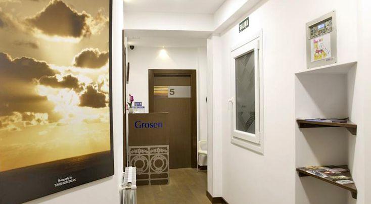 Acogedora pensión en el centro de Donostia - San Sebastián. También dispone de apartamentos para 4/6 personas en la Avenida de Navarra.