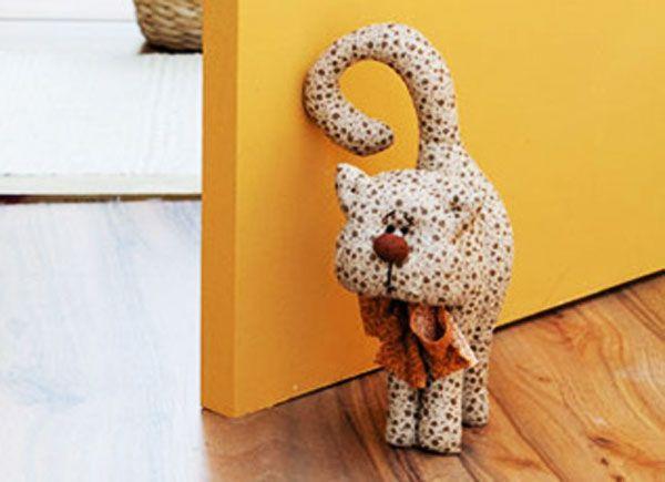 DIY toys: cats