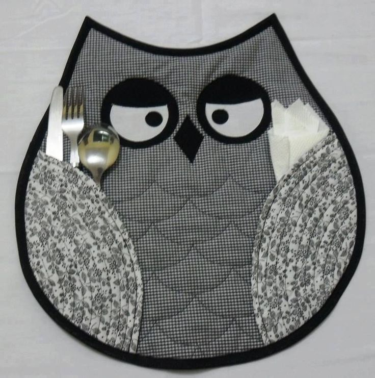 I HAVE to make these owl placemats! Love this!:
