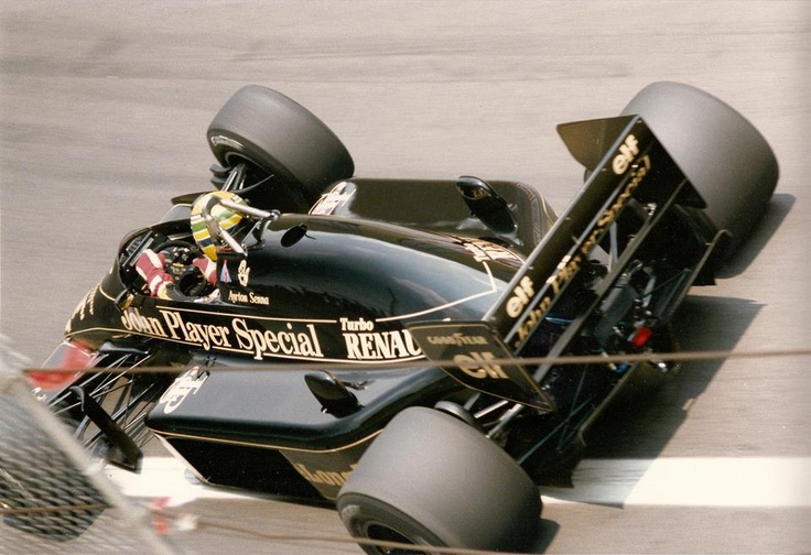 1986. V Detroit Grand Prix. Detroit. You almost see the fuel level in the display of the Ayrton Senna Louts 98T.