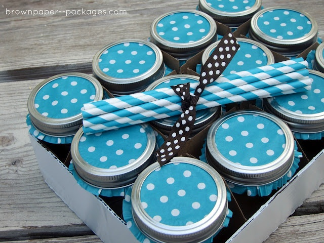 Cupcake liners to decorate mason jar lids - clever! | do ...