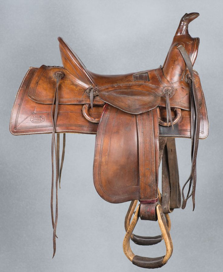 how to change horse saddles