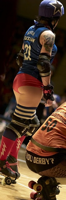 If you rolled around in skates in a derby squat, you could look like this too!