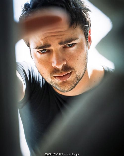 Karl Urban | Almost Human...His eyes, his mouth...I want him >-
