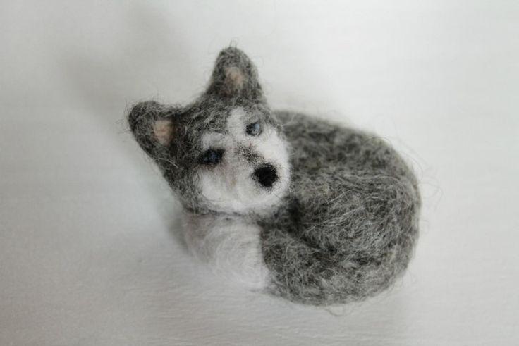 Hasky,Hund Filz-Brosche, Unikat von Filztiere-Shop auf DaWanda.com