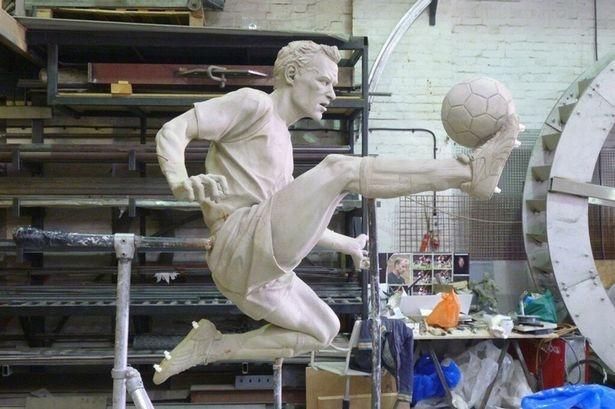 Tweet leaked: The Dennis Bergkamp statue in progress