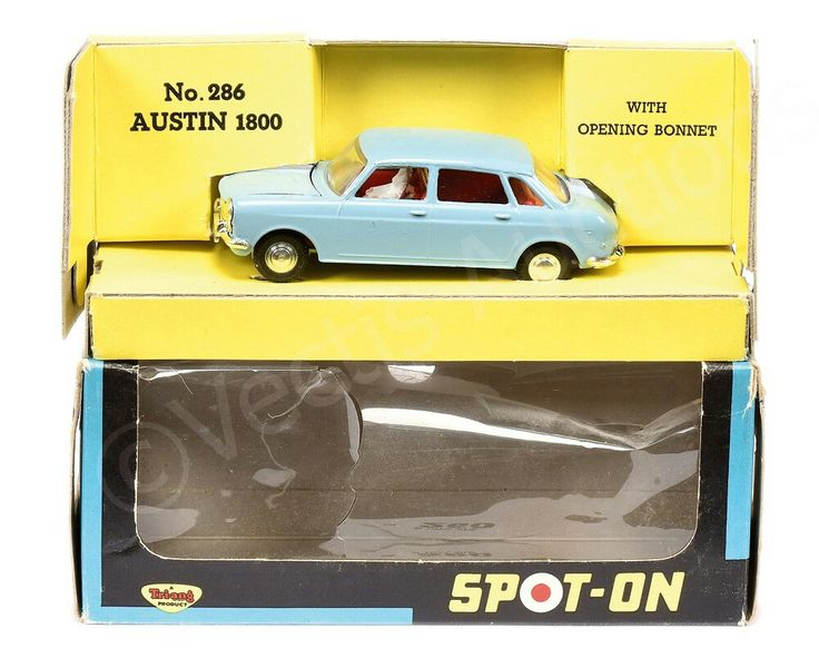 Spot On No.286 Austin 1800 - pale blue, red interior with figures, cast spun hubs - Near Mint, a beautiful example - inner carded tray is Excellent, outer window box is Good Plus (requires re-cellophaning).