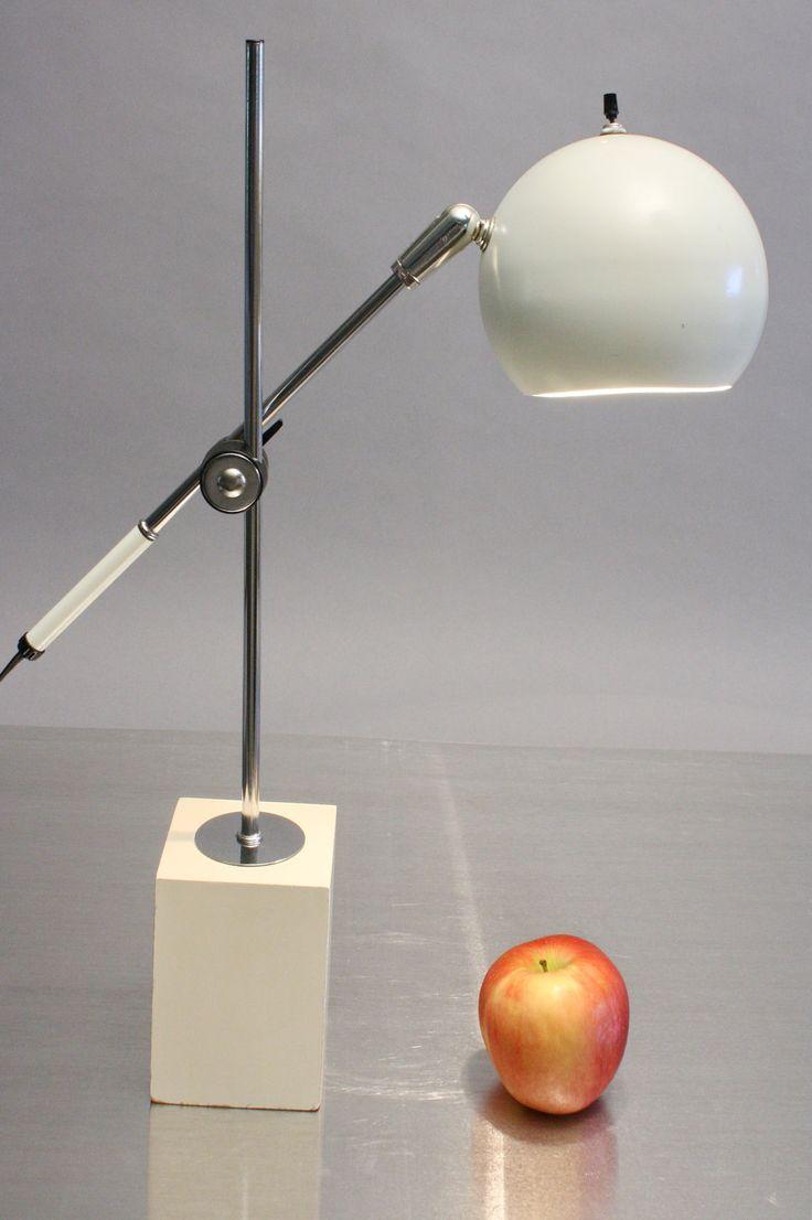 Sonneman Eyeball Lamp 1960s Adjustable Desk or Table Lamp Mid Century Modern. Robert Sonneman